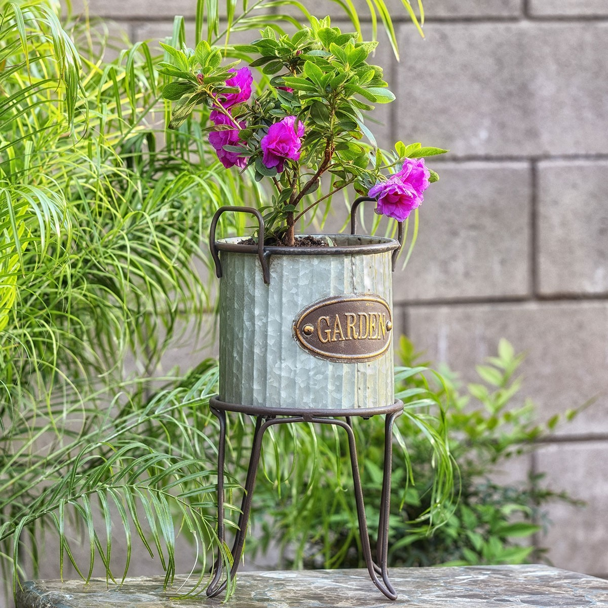 Metallic Outdoor Tin Can Flower Planter with Stand